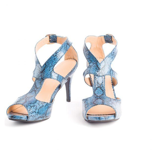 tren sepatu heels terlaris